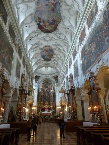 Avio karte Niš Salzburg crkva svetog Petra