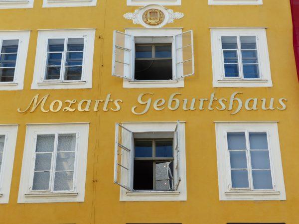 Avio karte Niš Salzburg mocartova rodna kuća