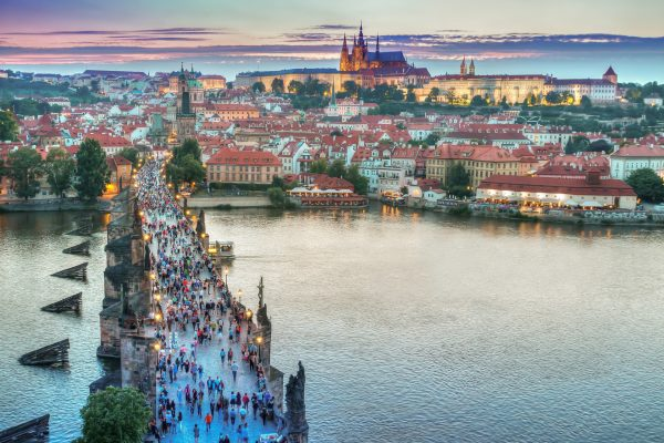 Avio karte Beograd Prag pogled na Karlov most