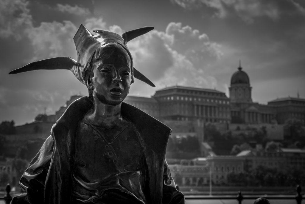 Putovanje Budimpešta, Dunavski korzo