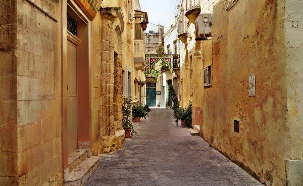 Avio karte Beograd Malta ulice Valeta
