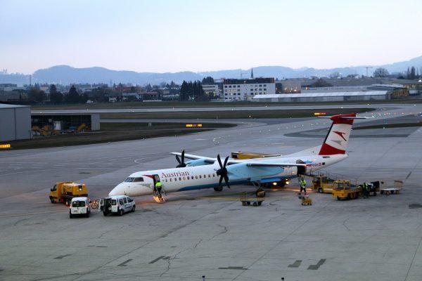Avio karte Beograd Salzburg austrian airlines avion na pisti