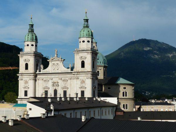 Avio karte Beograd Salzburg katedrala
