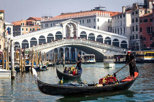 Avio karte Beograd Venecija gondola veliki kanal